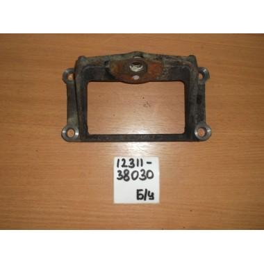 Кронштейн опоры двигателя Б/У 1231138030