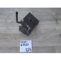 Кронштейн опоры двигателя Б/У 1231167021