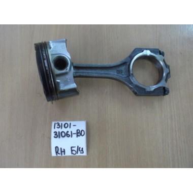 Поршень двигателя в сборе RH Б/У 1310131061