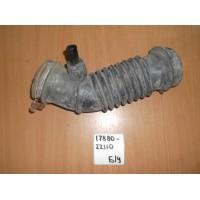 Патрубок воздушного фильтра Б/У 1788022110