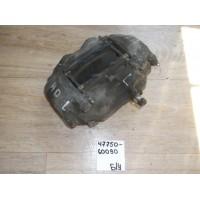 Суппорт тормозной FR Lh Б/У 4775060090