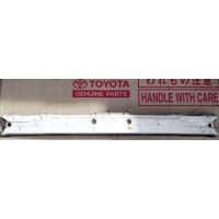 Усилитель переднего бампера Б/У 5213112170