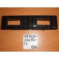 Накладка блока кнопок обогрева сидений Б/У 5890930150C1