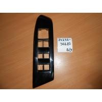 Накладка кнопок стеклоподъемника левая Б/У 7423230280