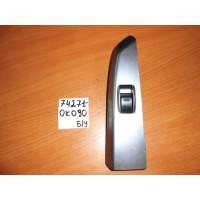 Накладка кнопки стеклоподъёмника RR RH Б/У 742710K090