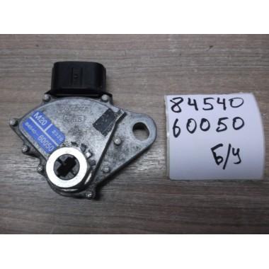 Датчик положения КПП Б/У 8454060050