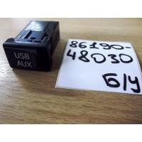 Адаптер USB AUX Б/У 8619048030