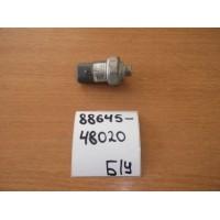 Датчик давления кондиционера Б/У 8864548020