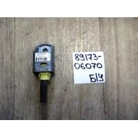 Датчик подушки безопасности Б/У 8917306070