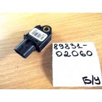 Датчик подушки безопасности Б/У 8983102060